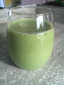 green power smoothie, smoothies, live better, whole living, natural living,